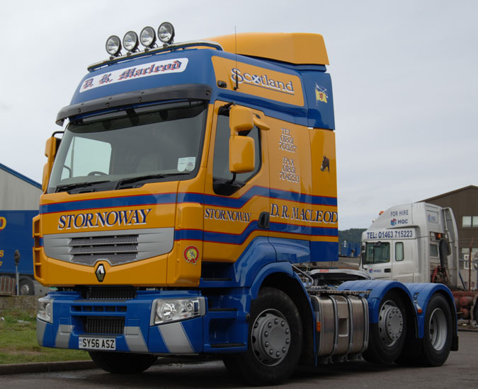 First Renault For D R Macleod News From Lorryspottingcom