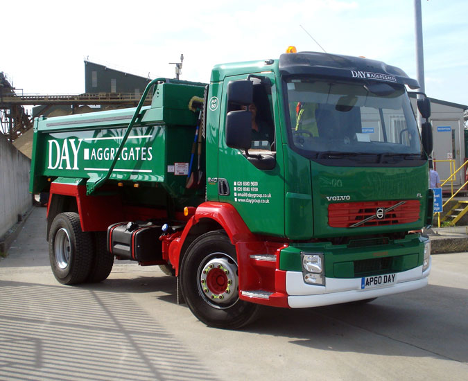 New Volvo Fl For Day Aggregates News From Lorryspotting Com